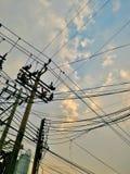 L'électricité et poteaux de téléphone Images stock