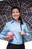 L'épargne sous la protection fiable ! Femme d'affaires heureuse photo stock