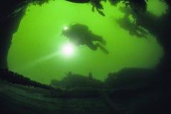 L'épave de l'impératrice de revêtement d'océan de l'Irlande dans le St Lawrence River photographie stock libre de droits