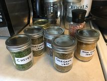 L'épice mélange fait maison dans le placard Photographie stock