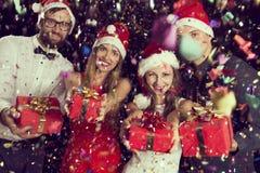 L'époque actuelle de cadeaux de Noël Photographie stock libre de droits