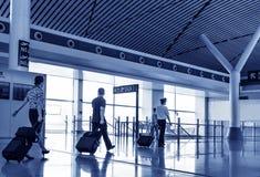 L'équipage dans le salon d'aéroport de Changhaï Pudong à l'aéroport Images stock