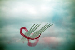 L'équipe acrobatique aérienne de flèches rouges de RAF Images libres de droits