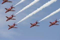 L'équipe acrobatique aérienne rouge des flèches RAF Image libre de droits