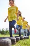 L'équipe forme la forme physique et la coordination photo stock