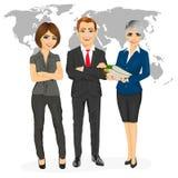 L'équipe professionnelle réussie d'affaires se tenant avec des bras s'est pliée devant une carte de la terre illustration de vecteur