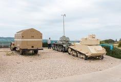 L'équipement militaire depuis la Guerre d'Indépendance de l'Israël se trouvent sur le chantier commémoratif près du musée blindé  image libre de droits
