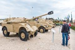L'équipement militaire depuis la Guerre d'Indépendance de l'Israël se trouvent sur le chantier commémoratif près du musée blindé  images stock