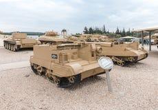 L'équipement militaire depuis la Guerre d'Indépendance de l'Israël se trouvent sur le chantier commémoratif près du musée blindé  photo libre de droits