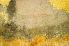 l'érosion de la surface en béton a été endommagée par des eaux souterraines photographie stock libre de droits