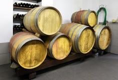 L'établissement vinicole produit du vin rouge et blanc Photo stock