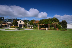 L'établissement vinicole Soljans de domaine d'établissements vinicoles de secteur Paysage auckland Photos stock