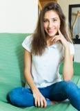 L'étudiant de sourire raconte l'histoire Photos libres de droits
