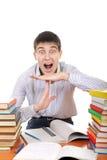 L'étudiant montre le geste de temporisation Image libre de droits