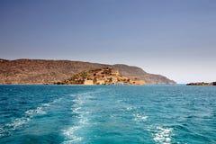 L'île de la vue de Spinalonga du bac Photos libres de droits