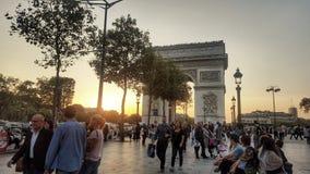 L& x27; 凯旋门和日落,巴黎,法国 免版税库存图片