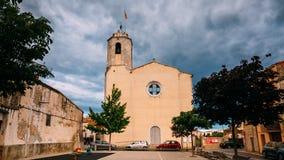L `阿门特拉,希罗纳,西班牙 时间间隔, Timelapse,我们的夫人Of阿门特拉教会的定期流逝在晴朗的夏天 股票录像