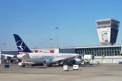L'aéroport de Varsovie Chopin (WAW) Image libre de droits