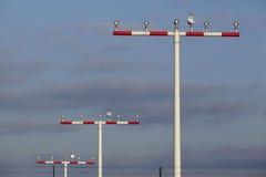 L'aéroport international de Francfort (FRA) - piste d'atterrissage s'allume Photographie stock