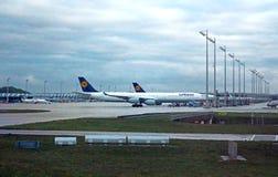 L'aéroport MUC, Allemagne de Flughafen Munich Photos stock
