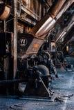 L'abbandonato Westinghouse sottoalimenta gli alimentatori - vecchia distilleria abbandonata del corvo - il Kentucky immagine stock