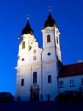 L'abbaye de Tihany par nuit Image stock