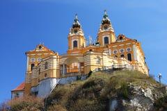 L'abbazia di Melk da sotto, regione di Wachau, Austria Fotografia Stock Libera da Diritti