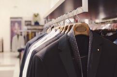 L'abbigliamento degli uomini fotografie stock