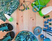 L'abbigliamento e gli accessori delle donne alla moda Fotografia Stock