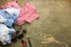L'abbigliamento e gli accessori delle donne di estate Immagini Stock Libere da Diritti