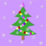 L'abete festivo decorato con una ghirlanda Fotografia Stock Libera da Diritti