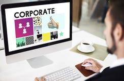 L'accomplissement de vente stigmatisant les pouces d'entreprise lèvent le concept photographie stock libre de droits