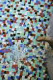 L'acqua minerale versa Fotografia Stock