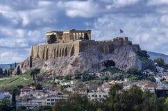 L'acropoli della città di Atene in Grecia con il tempio del Partenone dedicato alla dea Atena fotografia stock libera da diritti