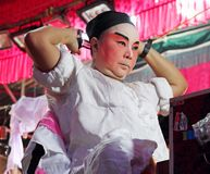 L'acteur se prépare à l'opéra chinois L'opéra chinois est un drame antique de manière musicale dans Bangko Photos libres de droits