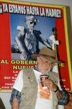 L'activiste Javier Sicilia boit du café Images libres de droits