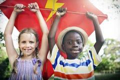 L'activité espiègle d'amusement d'enfance d'enfants d'enfant badine le concept Photographie stock libre de droits