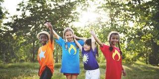 L'activité espiègle d'amusement d'enfance d'enfants d'enfant badine le concept Photographie stock
