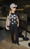 L'actrice Paris Hilton est vue chez LAX photo libre de droits