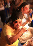 L'actrice se prépare à l'opéra chinois Images libres de droits