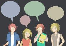 L'adolescente quattro sta chiacchierando Immagine Stock