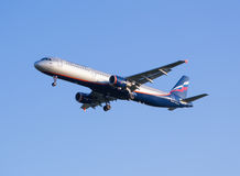 L'aereo Aeroflot di Airbus A321 di linea aerea si siede all'aeroporto di Sheremetyevo Immagini Stock Libere da Diritti