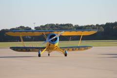 L'aereo della Bi pronto per decolla Immagine Stock