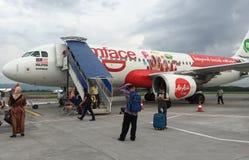L'aereo di AirAsia ha atterrato all'aeroporto di KLIA 2 in Kuala Lumpur, Malesia Immagine Stock