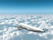 L'aereo passeggeri bianco vola altamente sopra le nubi Immagine Stock