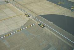 L'aeroporto gates i segni fotografie stock libere da diritti