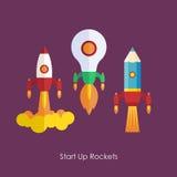 L'affare inizia sul concetto del lancio Il razzo d'avanguardia piano inizia sulle icone messe Fotografia Stock Libera da Diritti