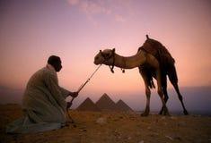 L'AFRICA EGITTO IL CAIRO GIZA PIRAMIDS Fotografia Stock