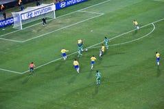 l'Afrique du Sud contre le Brésil - la cuvette 09 de la FIFA Confed Image libre de droits