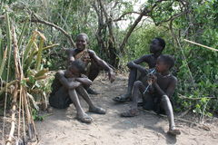 l'Afrique, Tanzanie, mens d'aboriginals Photos stock